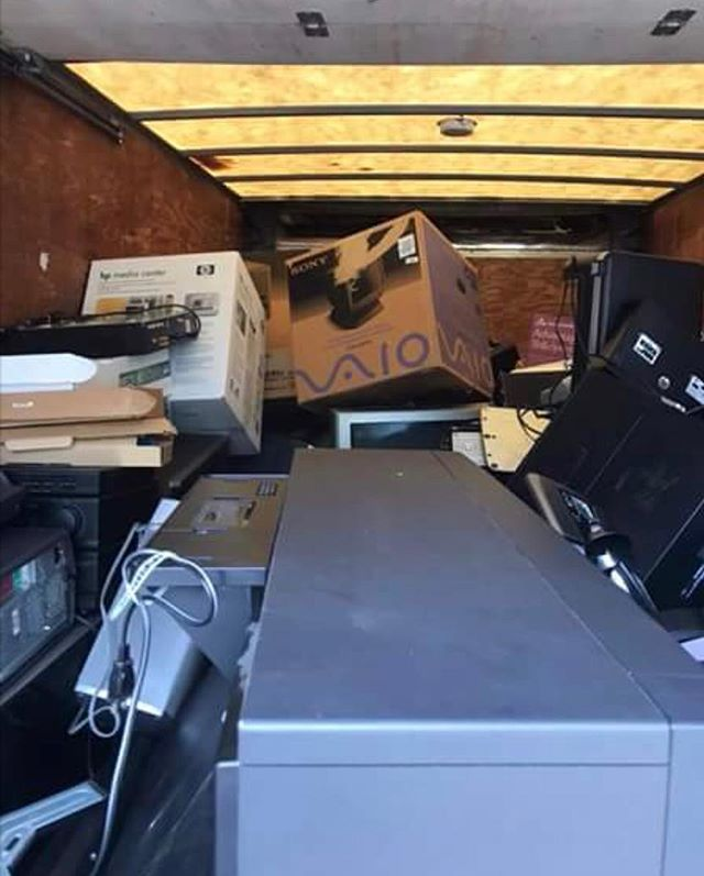 WOW! What a turnout at Windermere this past Saturday! We are so grateful to each and every person that came out to donate! We filled up our box truck to the door and two other vehicles! Thank you all so much for helping us spread the word and further our cause! #communityengagement #gogreen #nonprofit #electronics #donate #recycling