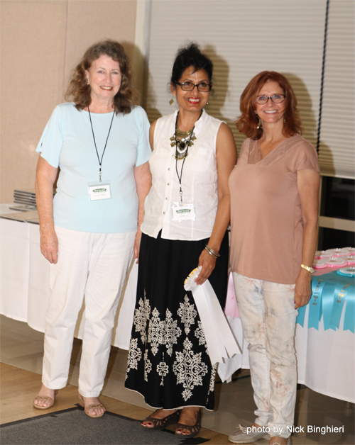 The Jean Nagy Memorial Award: Outstanding Vero Beach Art Club Acrylic or Oil Artist was given to Minakshi De at our Under the Oaks banquet on March 10, 2017