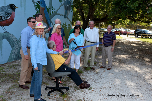 Dedication Ceremony on April 8, 2016 Carol Makris cuts the ribbon as Vero Beach Mayor Jay Kramer, Vice Mayor Randy Old, Council Members Harry Howle and Dick Winger joined Sue Dinenno President of the Vero Beach Art Club.