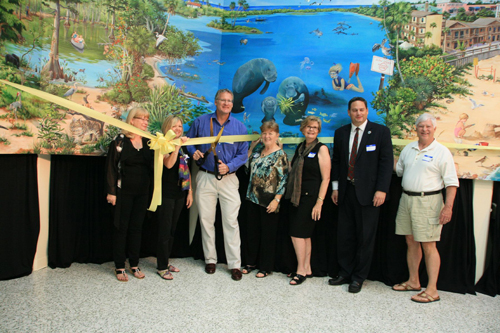 Left to Right: Artist Dawn Mill, Artist Judy Burgarella, Recreation Department Director Rob Slezak, Artist Christine Thomas, Vero Beach Art Club President Mary Ellen Koser, Vice Mayor Jay Kramer, and City Manager James O'Connor.