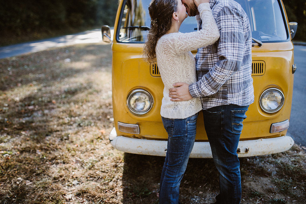 Couple kissing, engagement session with Tessa Blackstone