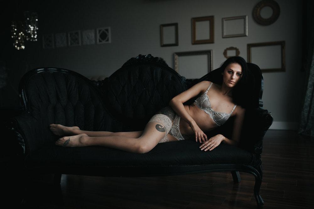 PaigeBoudoir2017-31.jpg