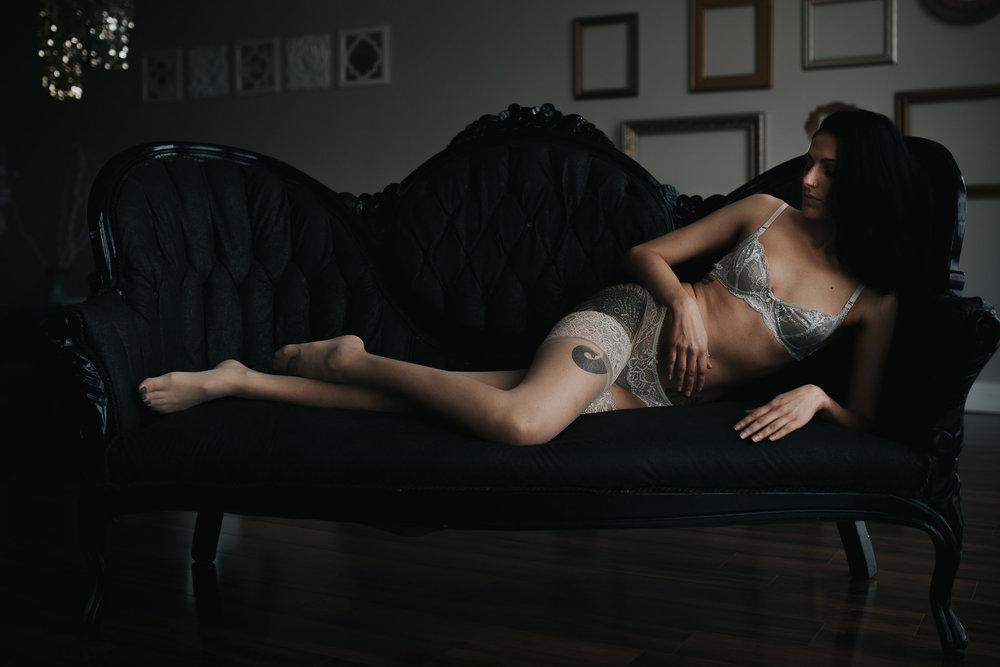PaigeBoudoir2017-32.jpg