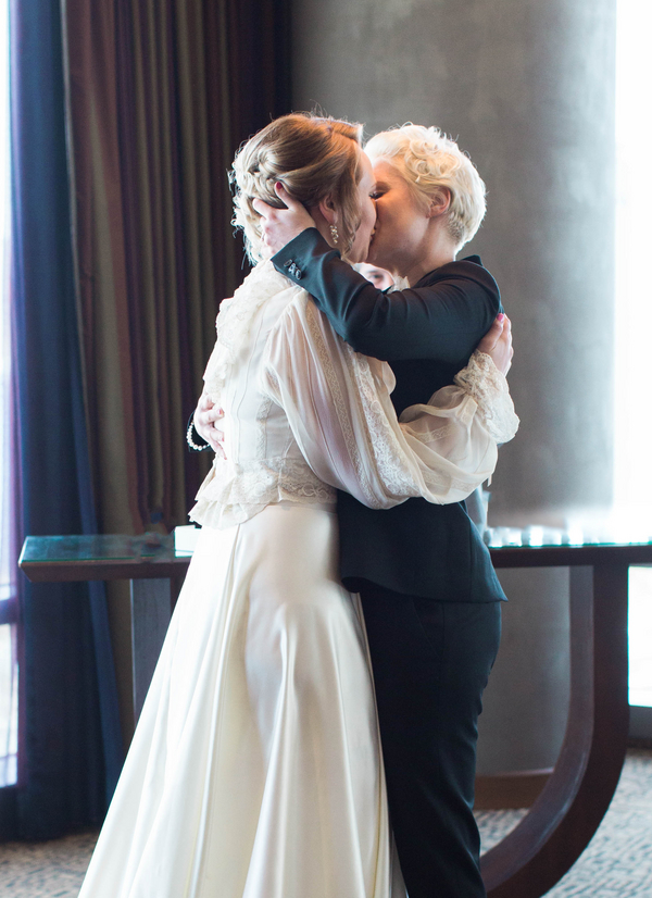 Ashley Giffin Photography Wedding Kiss