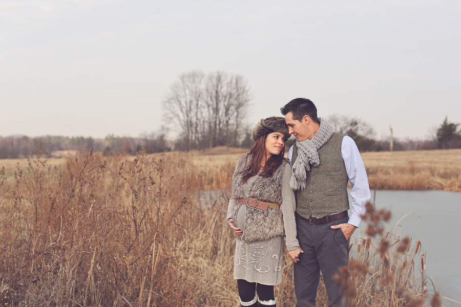Couple Photo, Countryside + Sunset Baby Bump Session | Turnquist Photography