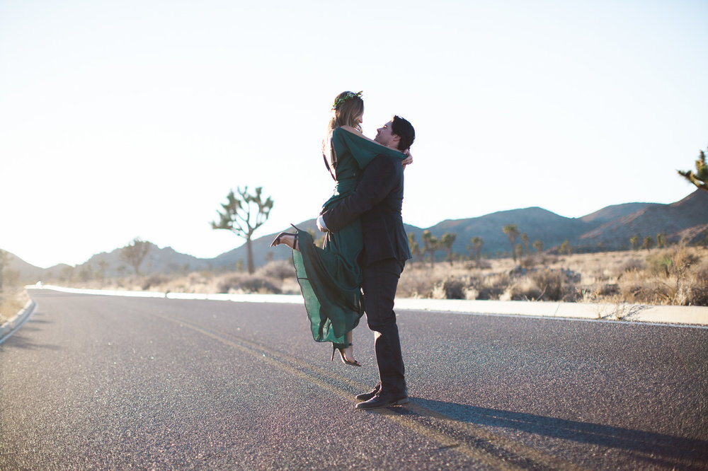 Man lifting woman, Joshua Tree Anniversary Session | Lindsey Parkin Photography