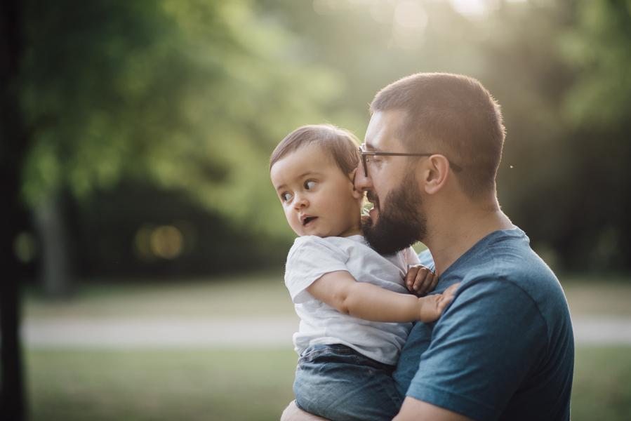 Dad + daughter, Outdoor + Dusk Family Portrait Session | Serena Genovese