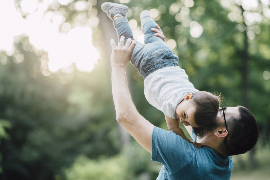 Dad lifting daughter, Outdoor + Dusk Family Portrait Session | Serena Genovese