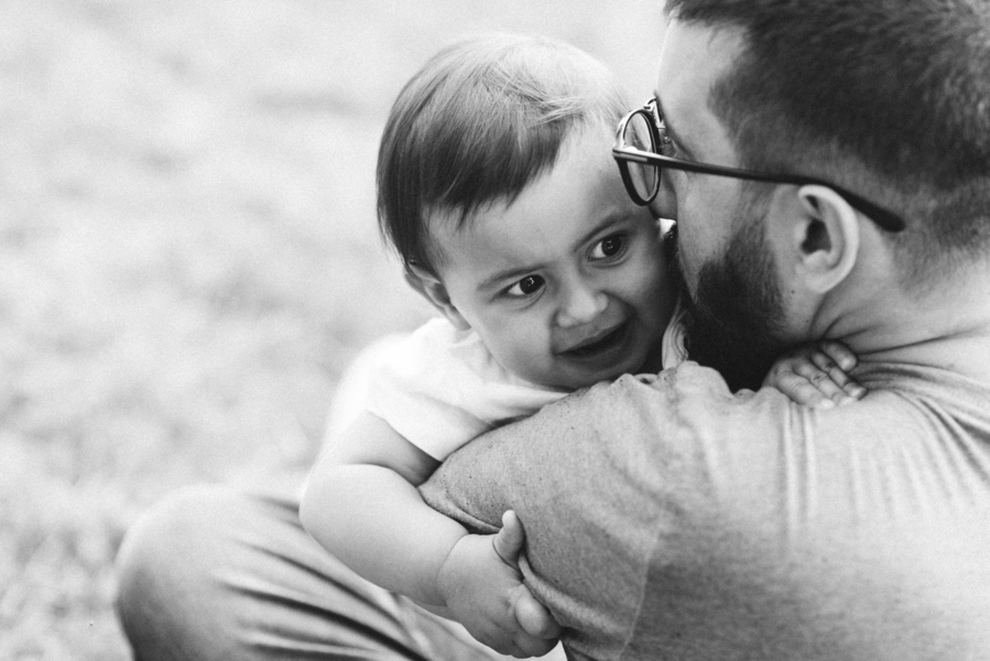 Black and white photo of dad and daughter, Outdoor + Dusk Family Portrait Session | Serena Genovese