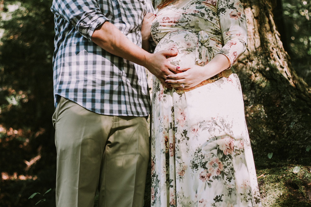 Detail photo of pregnant belly, Artistic + Woodsy Maternity Session | Sarah P Thomas Photography