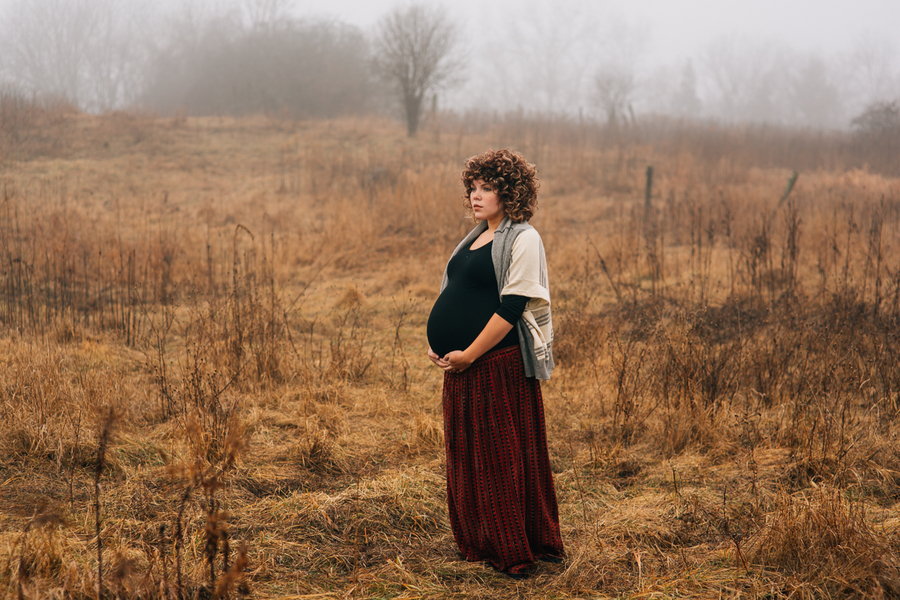 Foggy Field Morning Baby Bump Session | Turnquist Photography