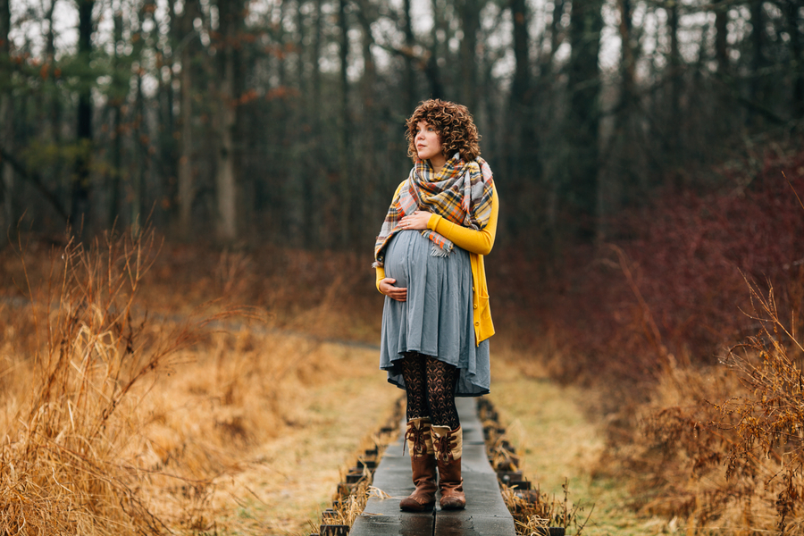 Pregnant woman holding belly, Foggy Field Morning Baby Bump Session | Turnquist Photography