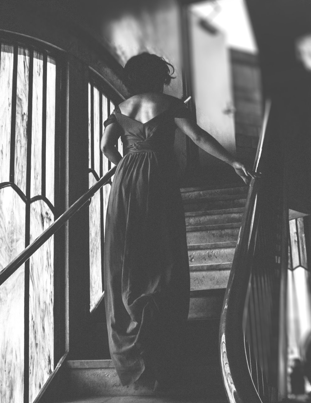 Black and white photo of babe walking up stairs, Adventurous Outdoor + Waterfall Couples Session | Croative Photography
