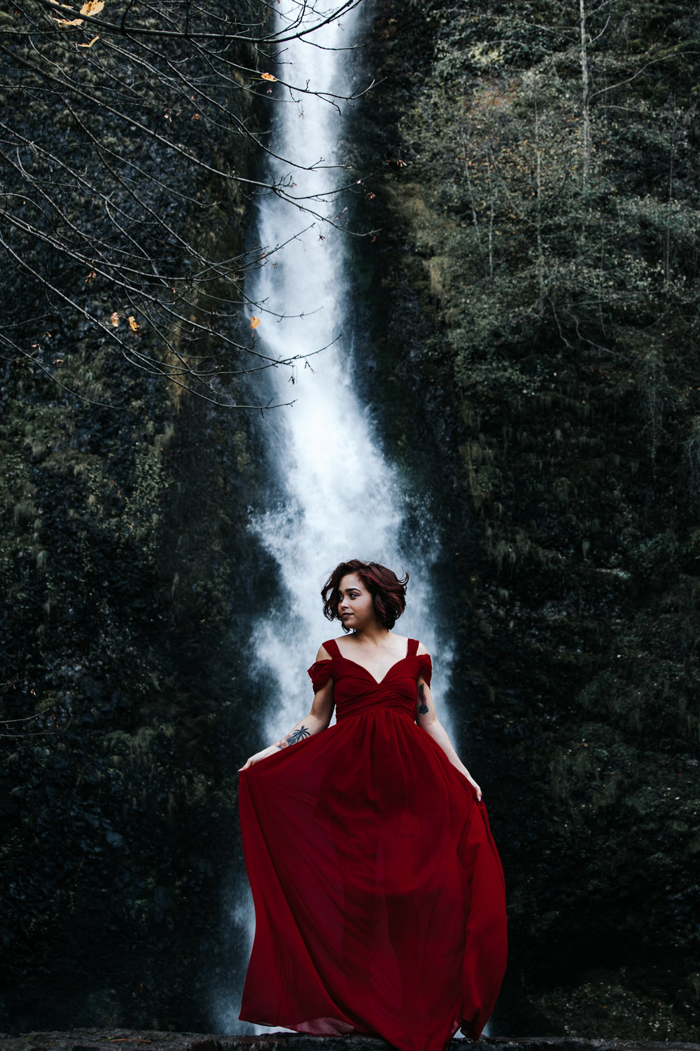 Babe posing in front of waterfall, Adventurous Outdoor + Waterfall Couples Session | Croative Photography