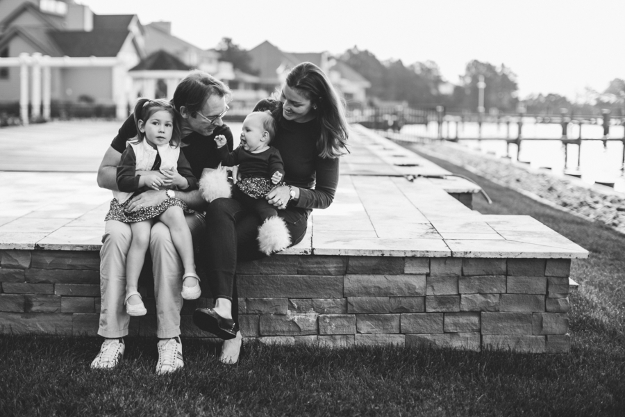Black and white family photo, Family Lifestyle Session on the Bay | Tiffany Caldwell Photography