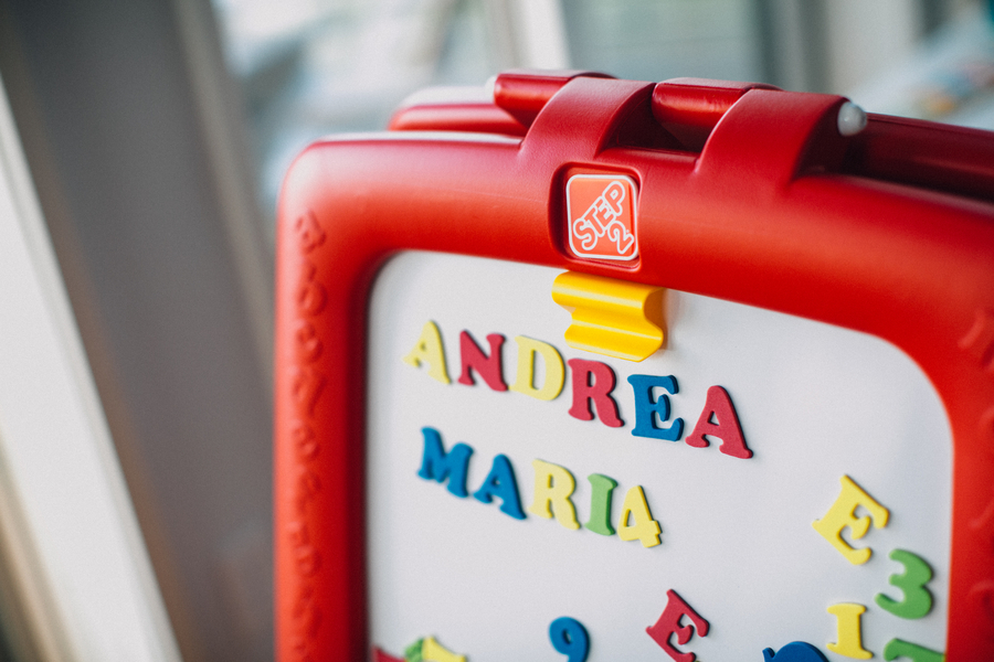 Children's letter magnets, Family Lifestyle Session on the Bay | Tiffany Caldwell Photography