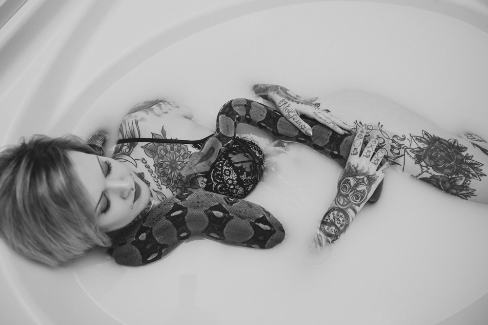 girlwiththetattoos.com-detroitMI-photographer-20.jpg