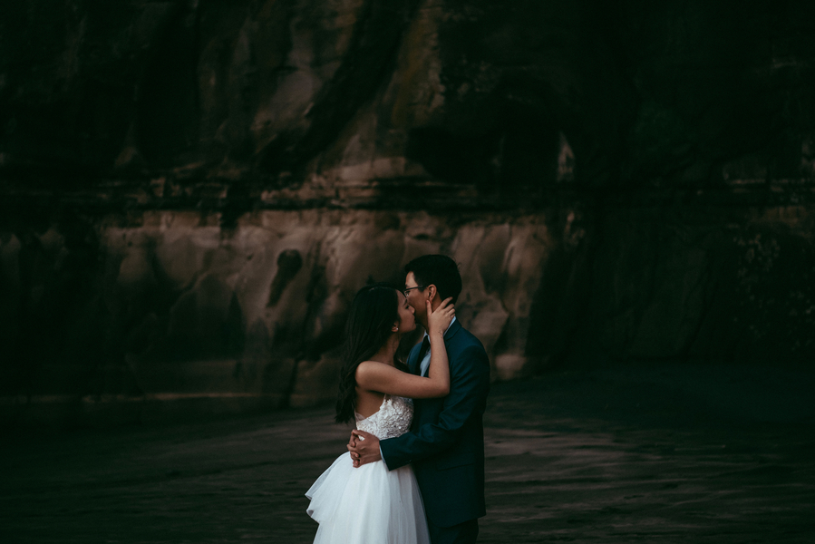 Lau_Lau_LEVIENampLENSPHOTOGRAPHY_couple54_low.jpg