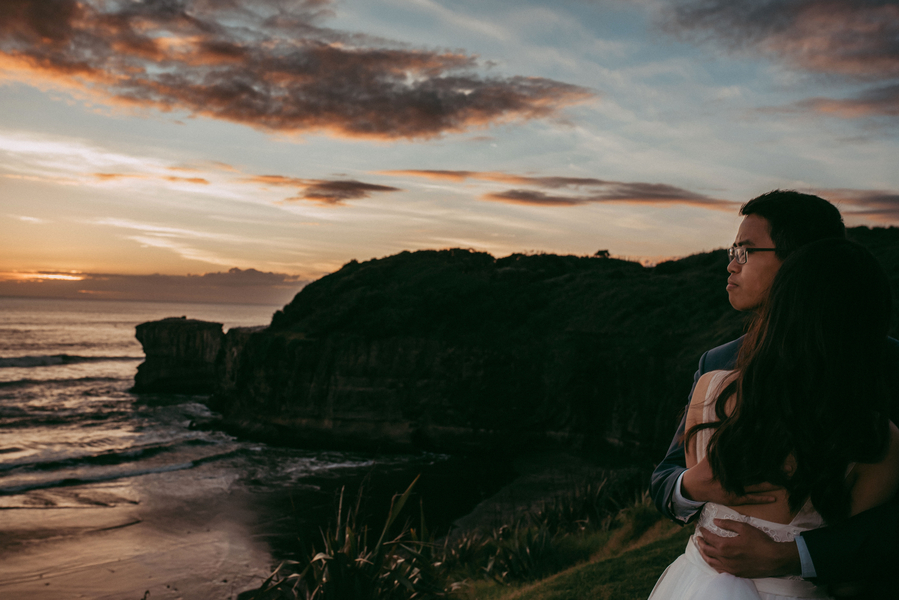 Lau_Lau_LEVIENampLENSPHOTOGRAPHY_couple85_low.jpg