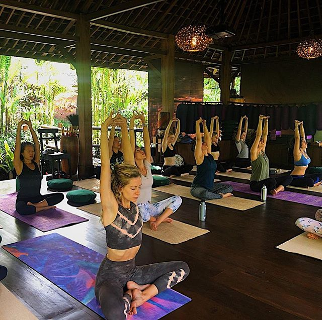 Getting up every morning to practice Yoga in the beautiful surroundings of @baliecostay in the warmth was such an incredible treat! Although Bali feels like a million years ago, practicing Yoga in the early morning is still something we are very much loving and it is honestly, without a doubt, the best way to start the day! We have plenty of blog post that feature our favourite Yoga sessions and you're more than welcome to get in touch if you need inspiration. Also Ceri will be teaching some beginner and intermediate classes in the new year so keep your eyes peeled for the dates soon!