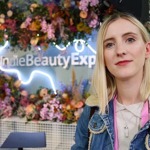 Back in October we had the BEST time at London's very first @indiebeautyexpo .  IBE was established to showcase the best independent beauty brands on the market.  Founded by celebrity esthetician Jilian Wright, the show allows buyers, press, consumers and investors to meet the brands face to face and learn about their products.  After debuting in New York back in 2015 the show has since expanded to Los Angeles, Dallas and now London, UK! In our new post and YouTube video we highlight some of our favourite discoveries during the event, which we have to say would make the best Christmas presents. Especially as many of them are internationally based brands that are newly established in the UK. Click the link in our bio to see and hear more 💄💋