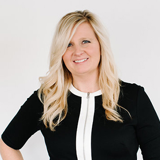 Lezlie Bruce | Commercial Lines Customer Service