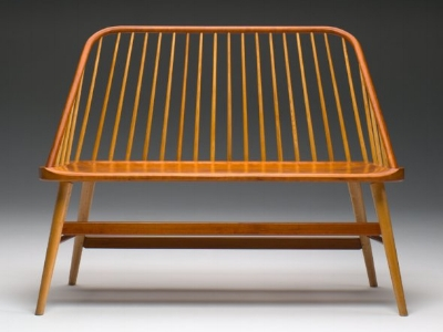 4-bowback-bench-by-becker.jpg