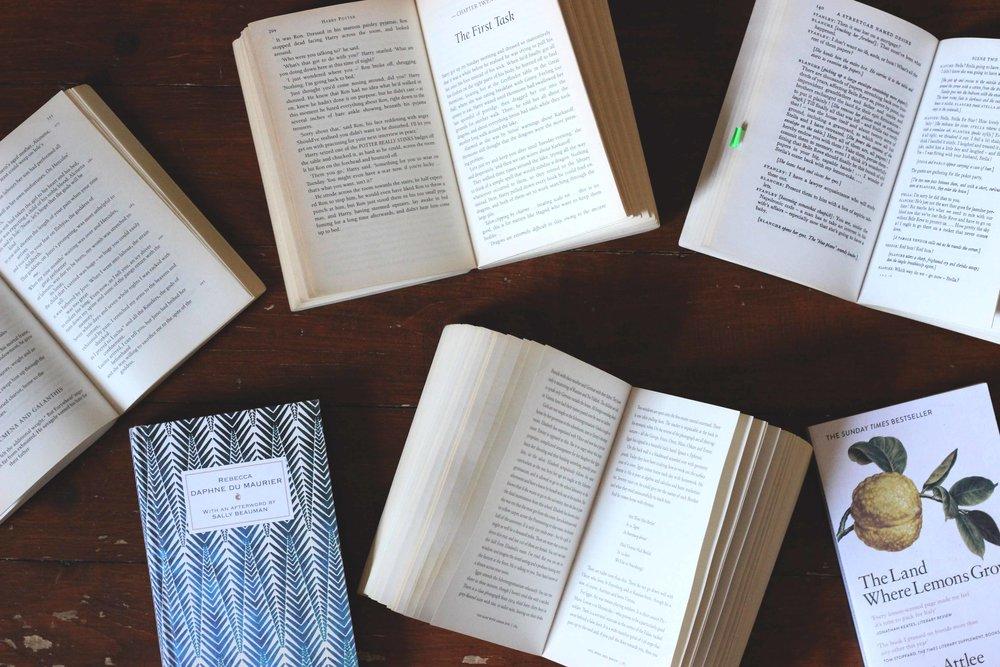 Books09.jpg