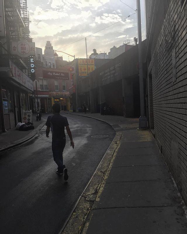 Chinatown, golden hour. July 3rd 2018. . . . . #canonusa#chinatownnyc#church#24hourchurch#subjectivelyobjective#ignant#ig_shutterbugs#ig_photooftheday #street_vision#streetphotography#fotografia#fotografiska#fotomobile