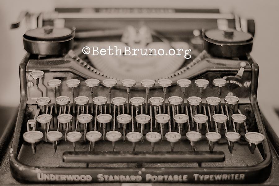 Vintage Typewriter-1 web