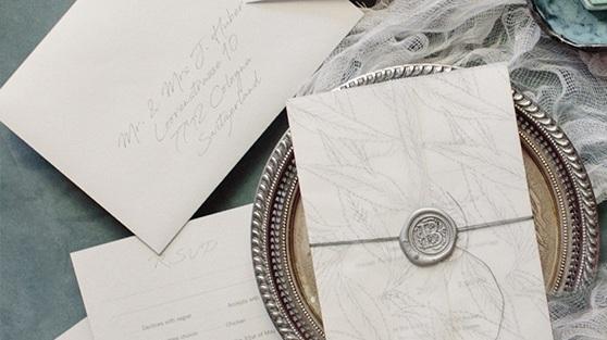 HOCHZEITSEINLADUNGEN - Eine Sammlung von Designs, perfekt für Ihre Hochzeit. Es ist mehr als nur Papier. Die Hochzeitseinladung ist die Einführung zu einem der schönsten Tage Ihres Lebens. Wählen Sie von verschiedenen Designs für Ihren grossen Tag.Hochzeitsprodukte
