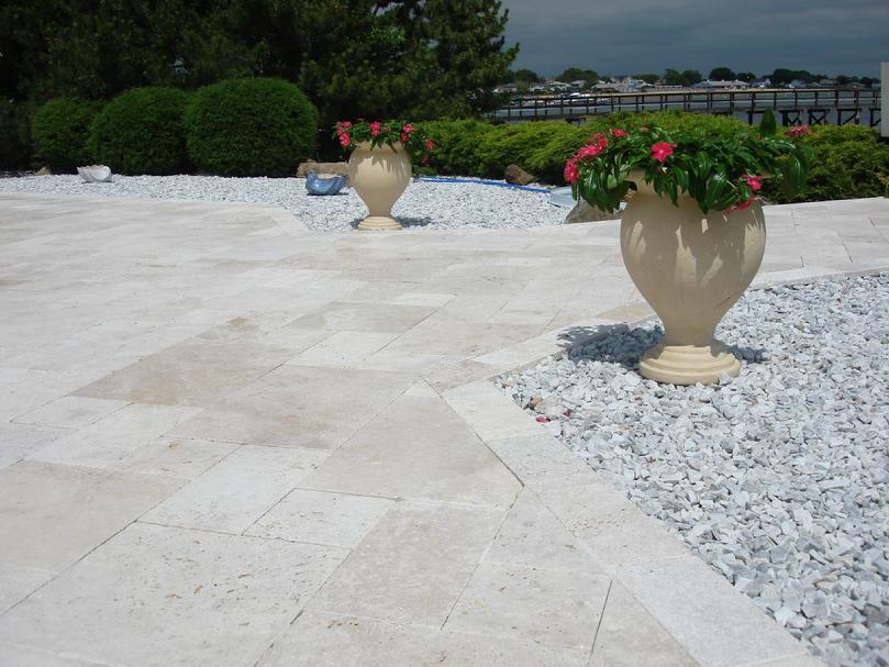IVORY TRAVERTINE, HONED