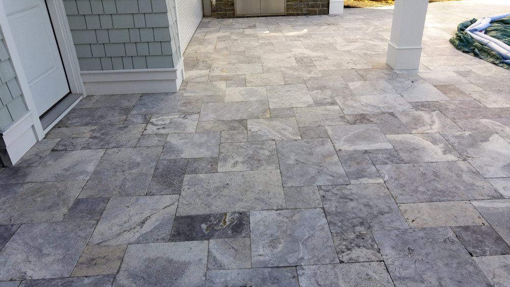 SILVER TRAVERTINE, HONED