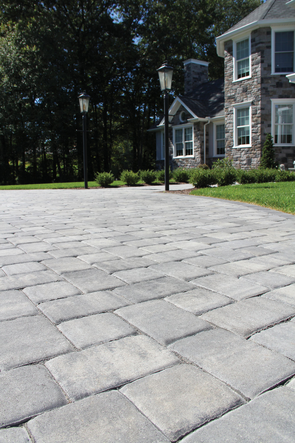 COLONIAL COBBLE IN GRANITE CITY BLEND