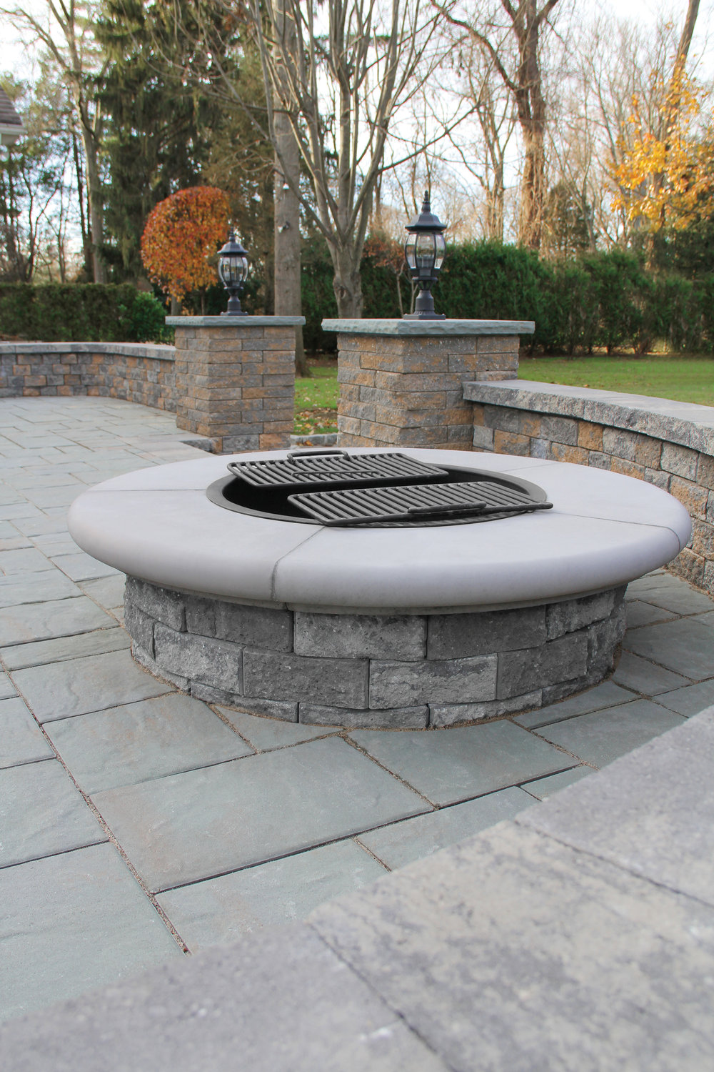 SERAFINA FIREPIT IN GRANITE CITY BLEND
