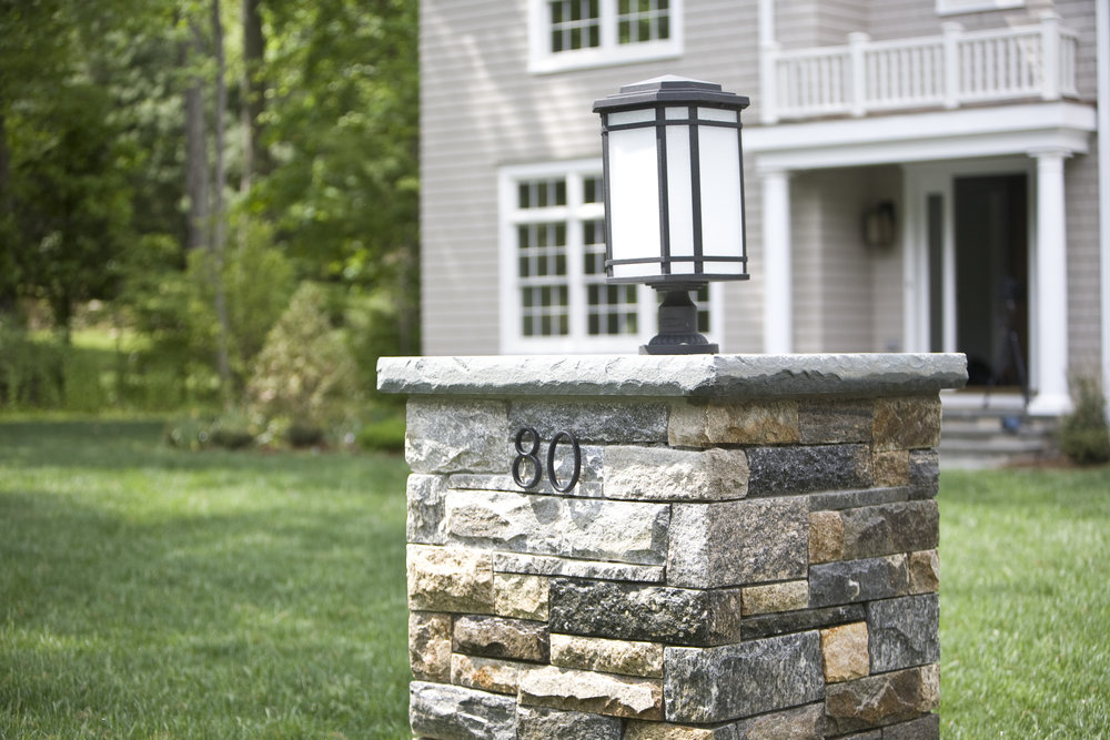 MATERIALS USED: FULL RANGE BLUESTONE WITH ROCK FACE EDGE; THERMAL BLUESTONE CAP