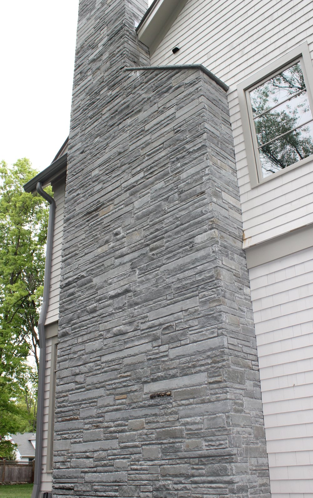MATERIALS USED: BLUESTONE VENEER
