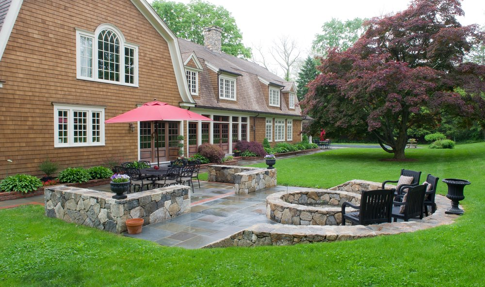 MATERIALS USED: CT FIELDSTONE WALLS; NATURAL CLEFT, FULL RANGE BLUESTONE