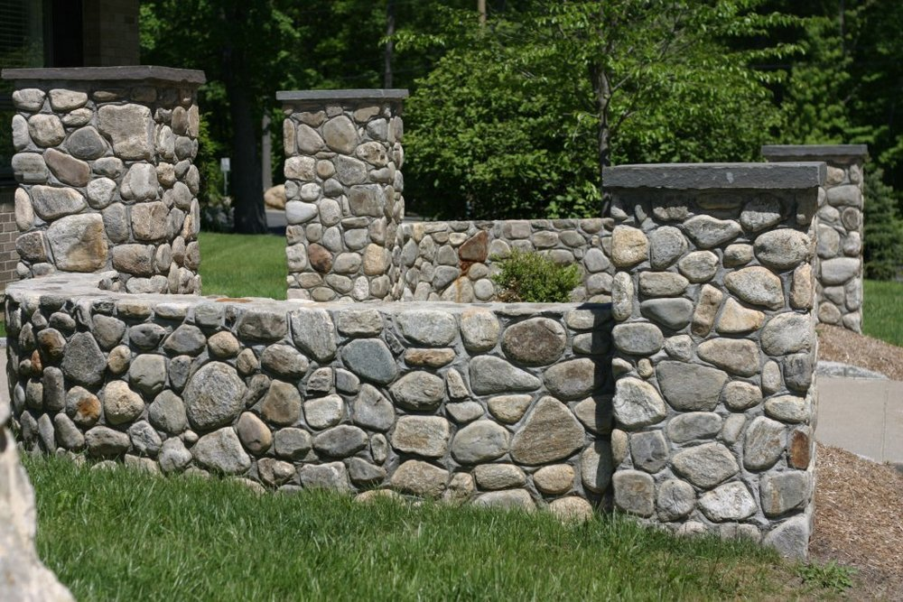 MATERIALS USED: CT FIELDSTONE, ROUNDS