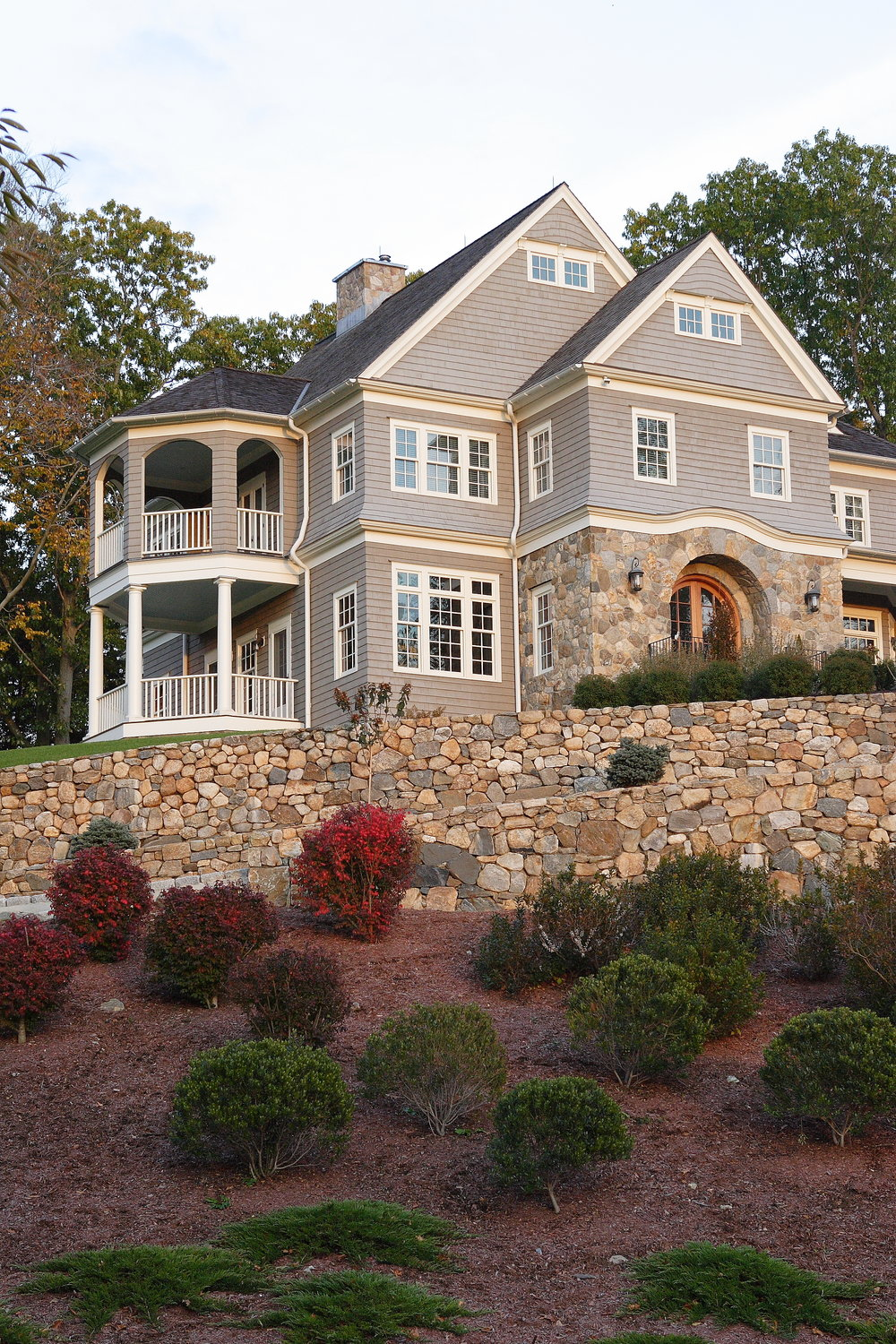 MATERIALS USED: CT FIELDSTONE PHOTO CREDIT: TALLMAN SEGERSON BUILDERS