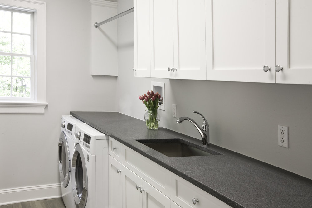MATERIALS USED: NEWPORT DARK GRANITE, HONED