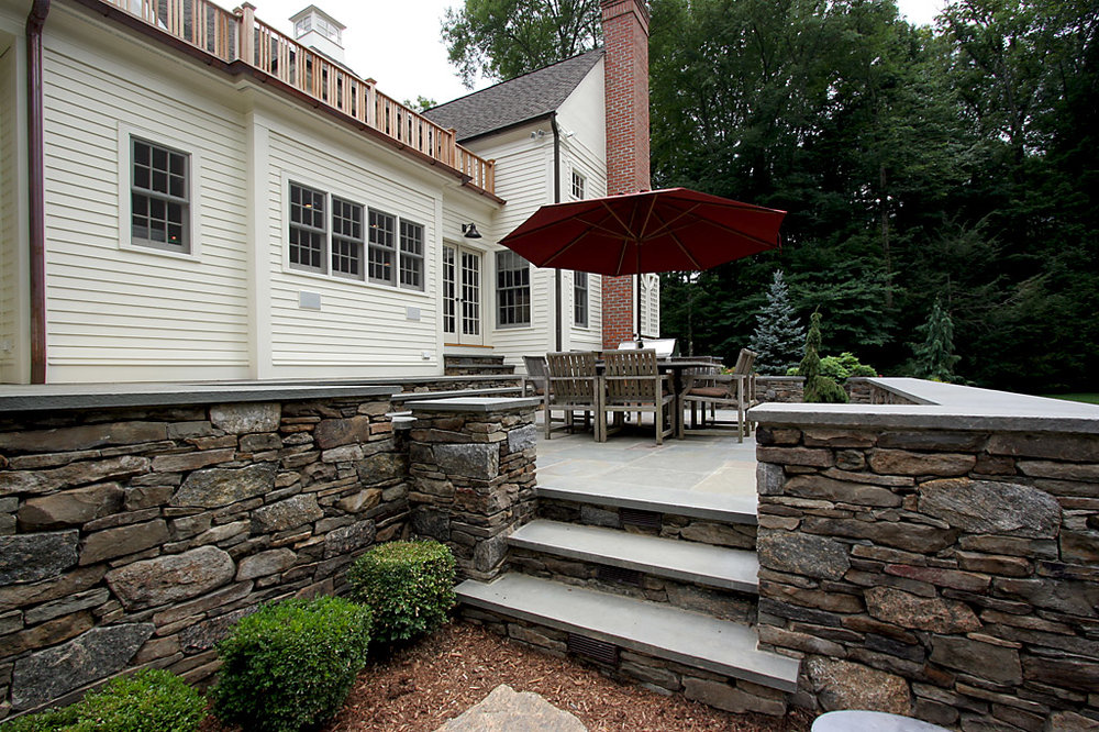 CT FIELDSTONE, LEDGE STRIP BLEND  PHOTO CREDIT: TALLMAN SEGERSON BUILDERS