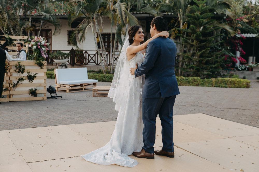 Michelle-Agurto-Fotografia-Bodas-Ecuador-Destination-Wedding-Photographer-Cristi-Luis-122.JPG