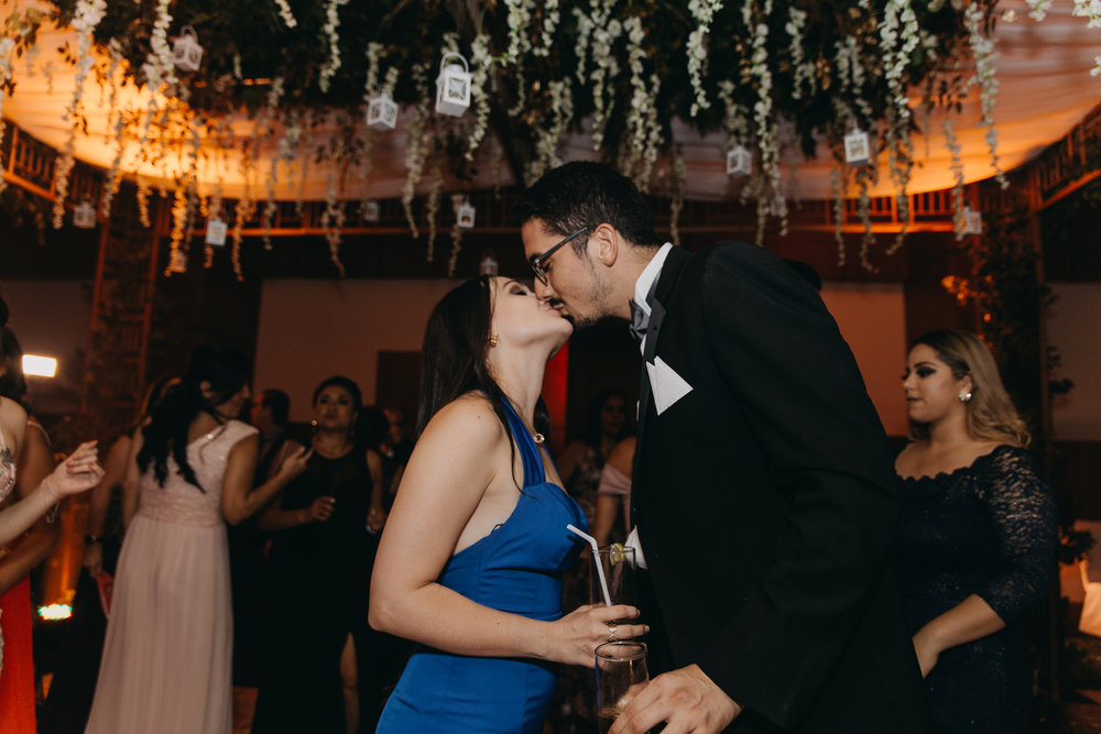 Michelle-Agurto-Fotografia-Bodas-Ecuador-Destination-Wedding-Photographer-Patricia-Guido-284.JPG