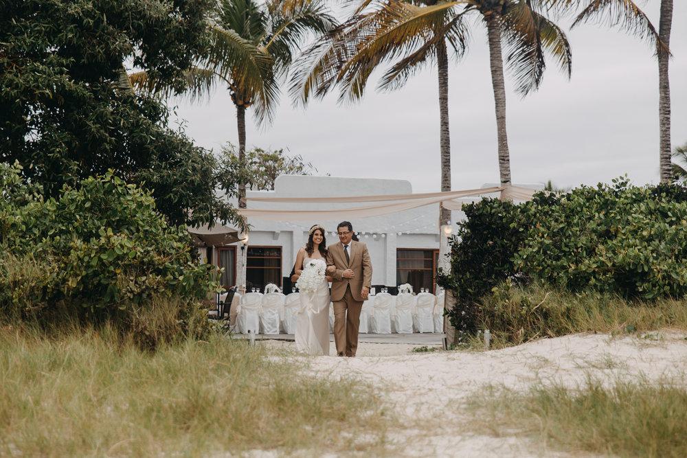 Michelle-Agurto-Fotografia-Bodas-Ecuador-Destination-Wedding-Photographer-Galapagos-Andrea-Joaquin-68.JPG