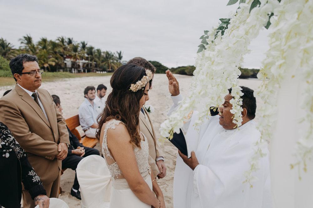 Michelle-Agurto-Fotografia-Bodas-Ecuador-Destination-Wedding-Photographer-Galapagos-Andrea-Joaquin-108.JPG