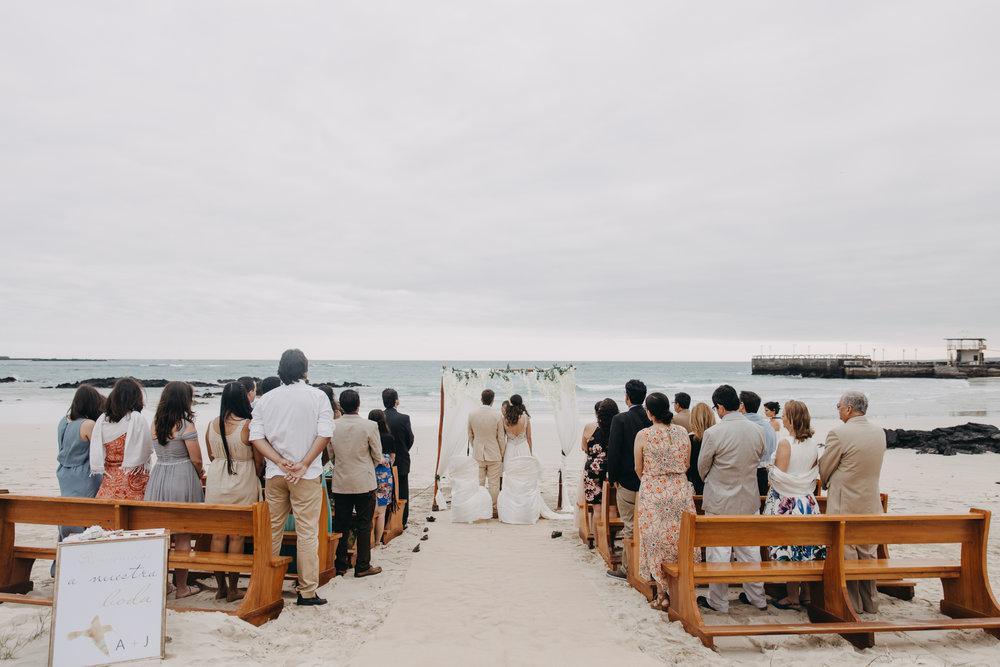 Michelle-Agurto-Fotografia-Bodas-Ecuador-Destination-Wedding-Photographer-Galapagos-Andrea-Joaquin-110.JPG