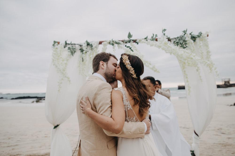 Michelle-Agurto-Fotografia-Bodas-Ecuador-Destination-Wedding-Photographer-Galapagos-Andrea-Joaquin-132.JPG