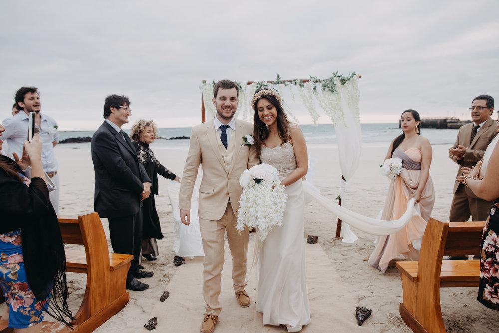 Michelle-Agurto-Fotografia-Bodas-Ecuador-Destination-Wedding-Photographer-Galapagos-Andrea-Joaquin-158.JPG