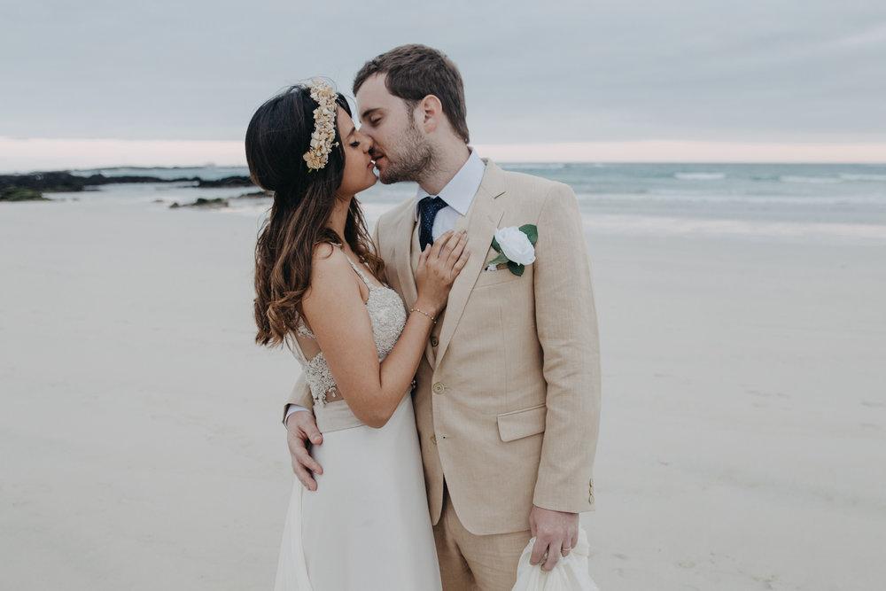 Michelle-Agurto-Fotografia-Bodas-Ecuador-Destination-Wedding-Photographer-Galapagos-Andrea-Joaquin-188.JPG